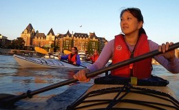 1-2541-Victoria-Kayaking-Inner-Harbour