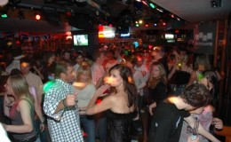 vancouver-bc-nightlife5 seattle yacht charters daily