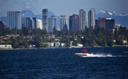 130624_Destination_Seattle_Lake Washington_shutterstock_38376964