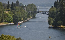800px-Seattle_-_Montlake_Cut_from_E_Shelby__26_10th_E_03.0
