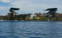 Husky_Stadium_Lake_Washington