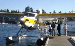 port-of-friday-harbor-seaplane-loading